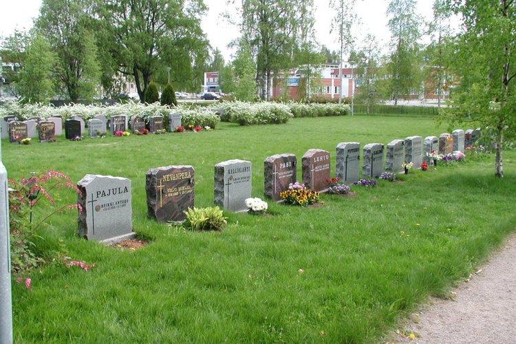 Tutustu historiaamme hautausmaakierroksella - Kangasalan seurakunta